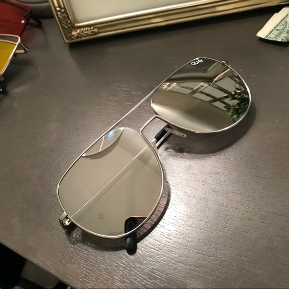 7259066e32b QUAY Living Large 122 UNISEX Sunglasses. M 5a8f7c3f6bf5a68a5433cd46